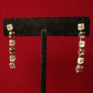 Jewelry - VTG Purple Crystal Rhinestone Dangle Earrings EUC